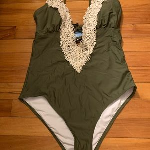 Cupshe Green Lace One Piece Bathing Suit